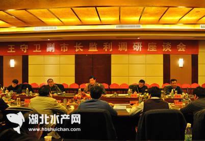 湖北荆州市副市长王守卫调研监利千赢电子游戏平台业发展及品牌创建工作