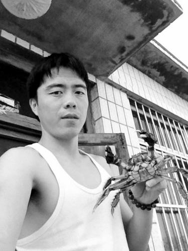沈阳建筑大学研究生微博卖河蟹赚学费