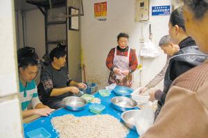 云南昆明滇池鲜虾银鱼价高好卖