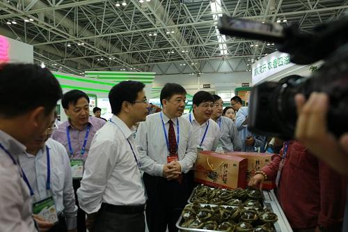 江苏渔业在十三届中国农交会上大显身手