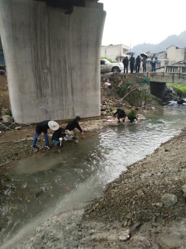 成贵铁路生态补偿子项目水生生物监测有序推进