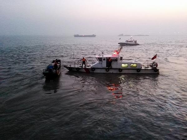 江苏常州开展长江禁渔打击电力捕鱼暨渔政实务素质训练联合执法行动