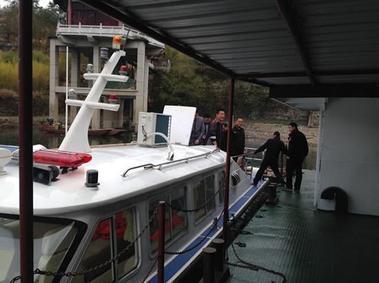 湖北黄冈罗田县千赢电子游戏平台局与公安部门联合整治渔业非法捕捞