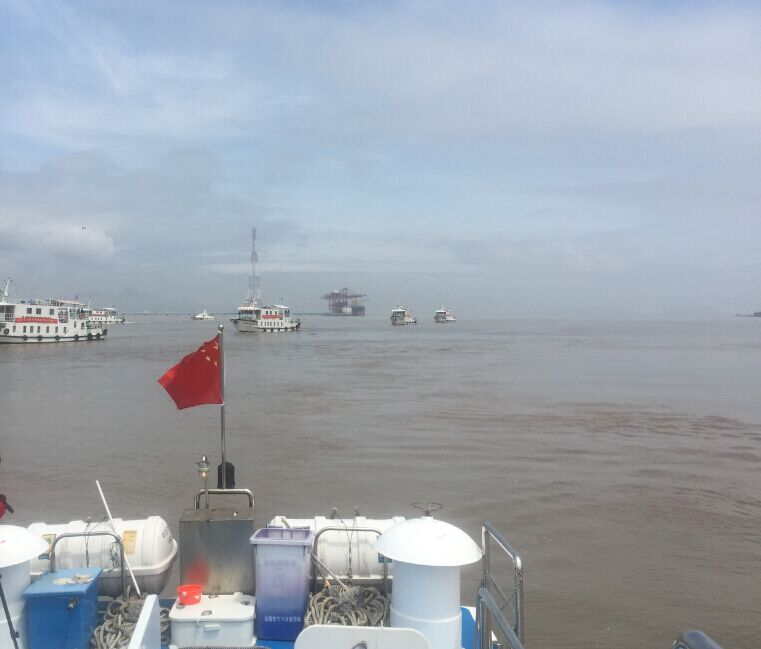 浙江乐清市海洋与渔业局开展春雾季渔船安全执法大检查