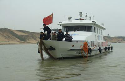 江西九江永修县鄱阳湖渔政局打击鄱阳湖禁渔区违法渔具执法行动