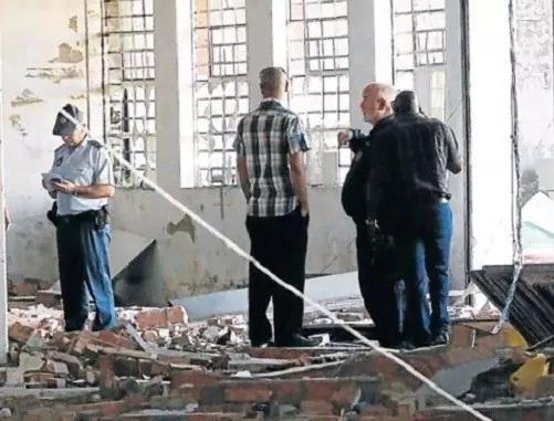 南非一非法鲍鱼加工厂发生爆炸 一名中国人身亡